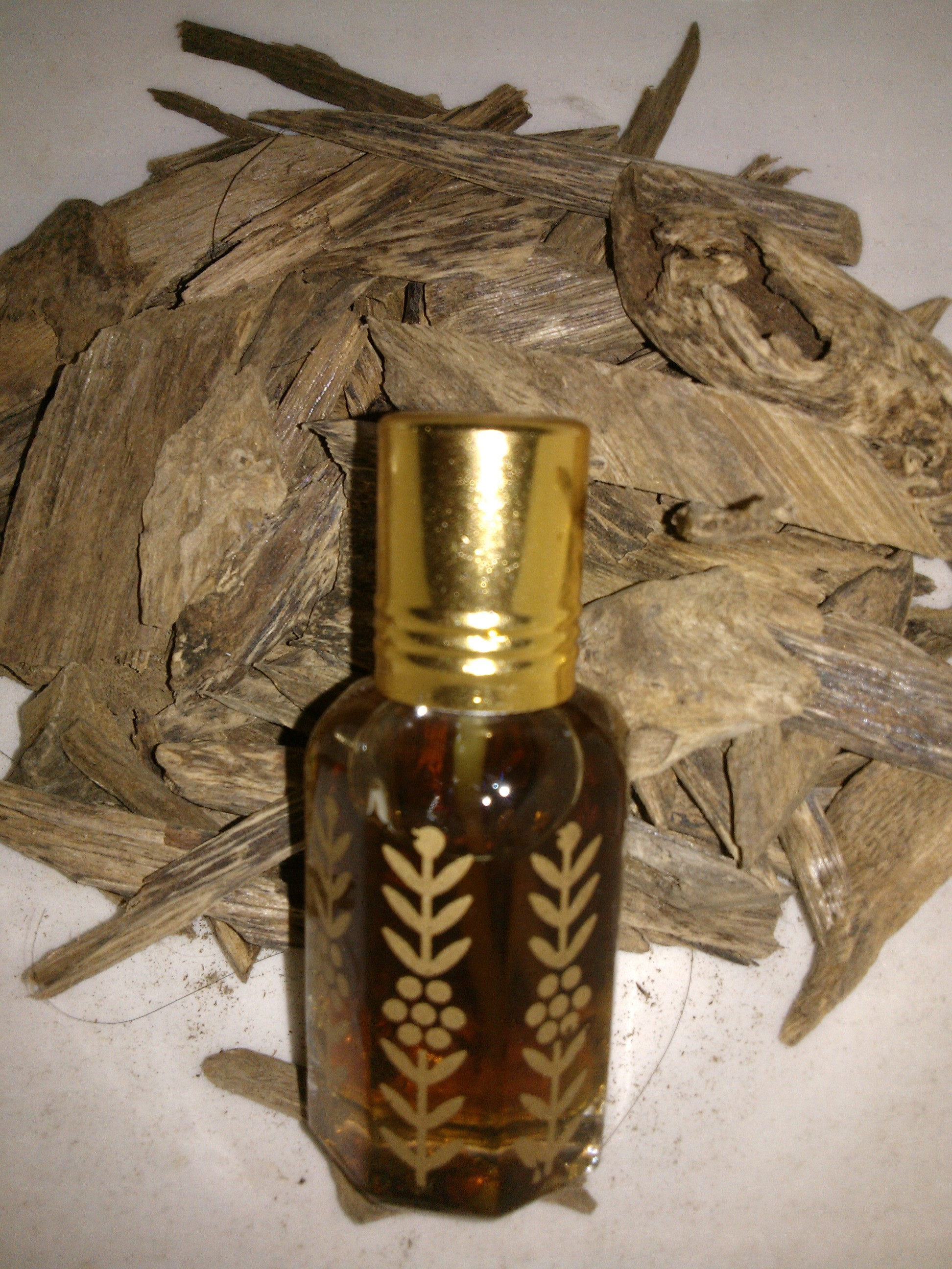 agarwood-oil